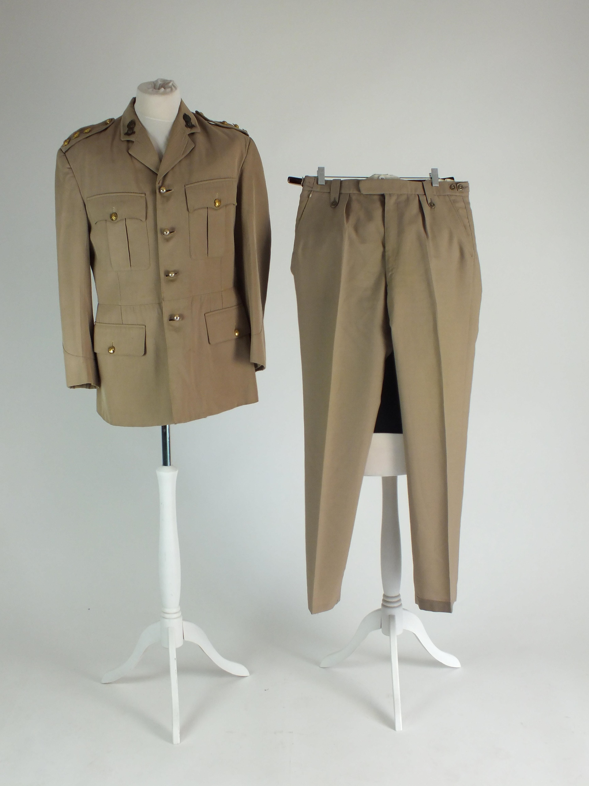 RAF and Royal Engineers tropical summer dress uniform - Image 4 of 7