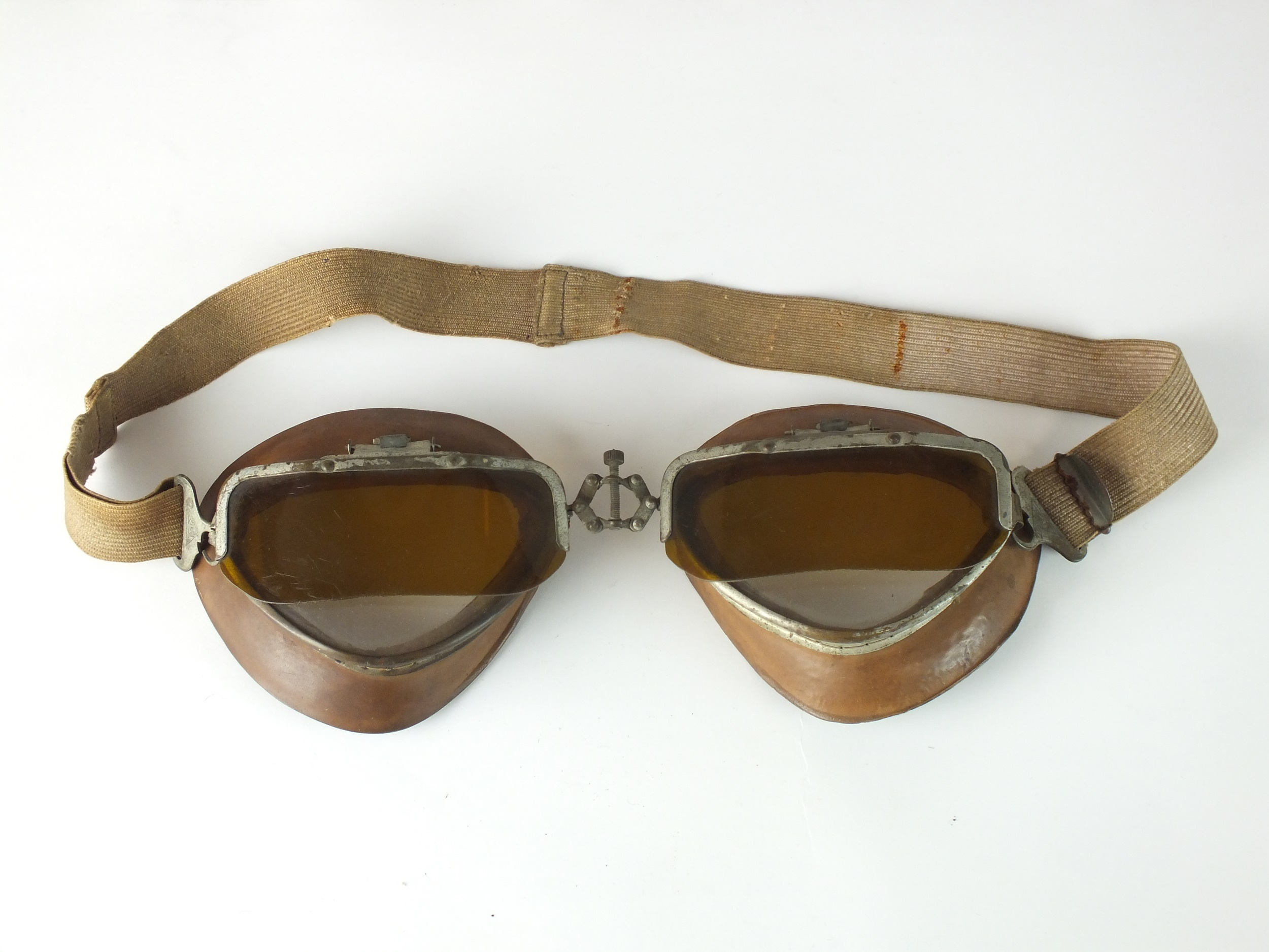 A scarce pair of Second World War Italian Regia Aeronautica flying goggles by Brevetto Fopais,