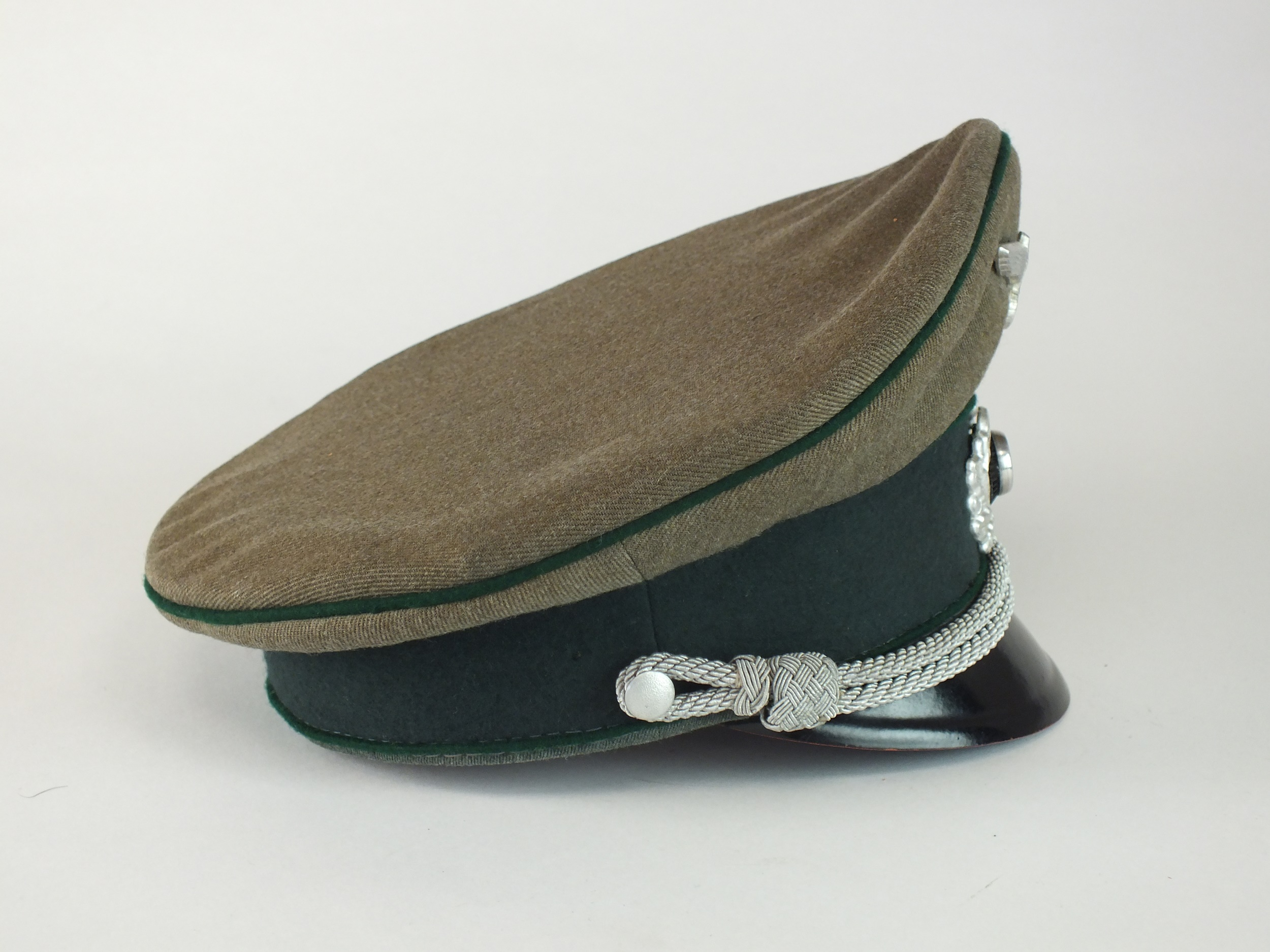 A German Army Administration Officer's visor cap, Austrian-made - Image 2 of 5