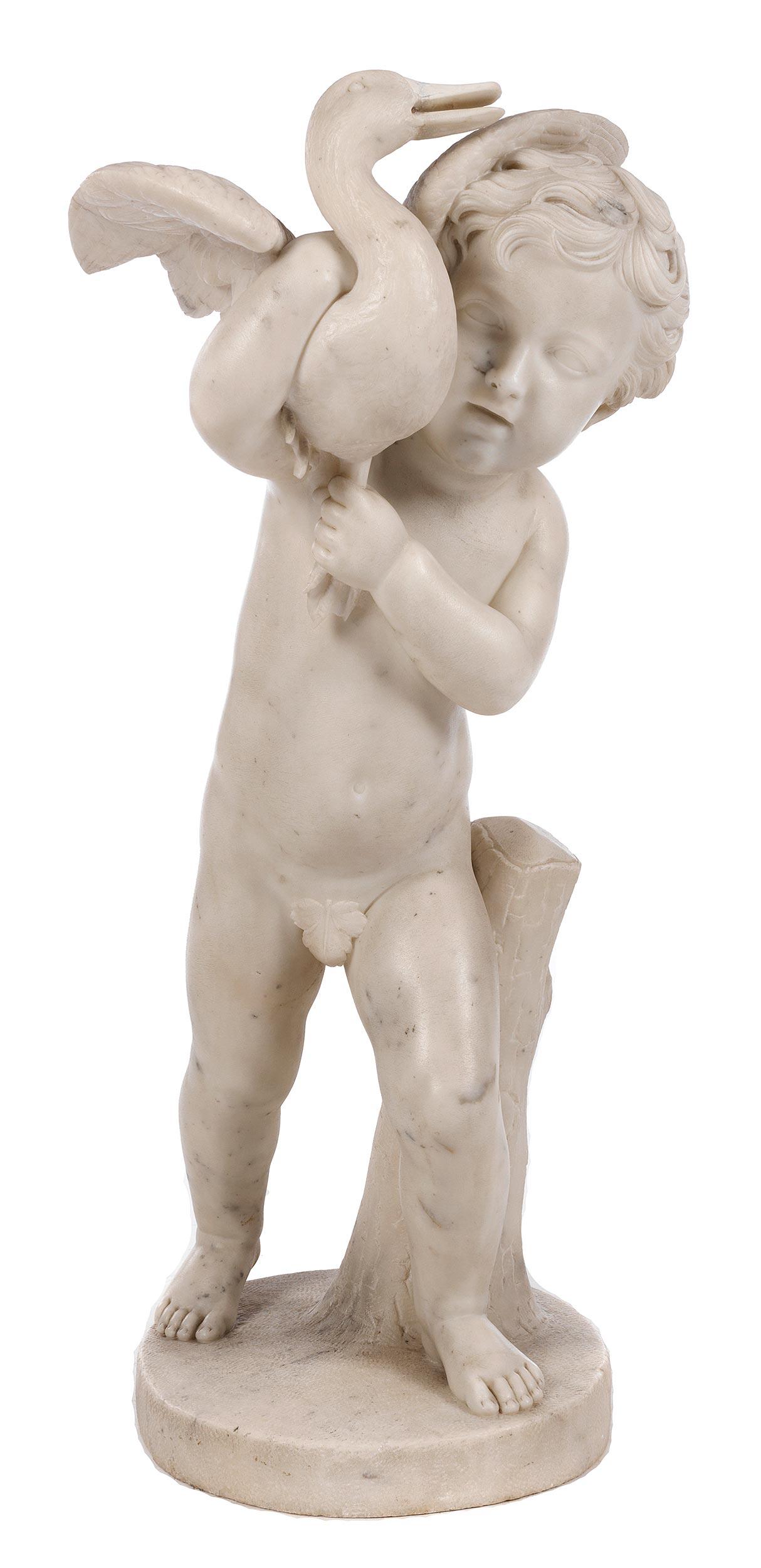 Marmorfigur eines Knäbleins mit geschultertem Schwan