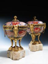 Paar Potpourri-Deckelvasen in Arita-Porzellan der Edo-Epoche, um 1780