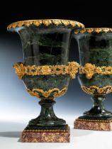 Paar Louis XVI-Medici-Vasen