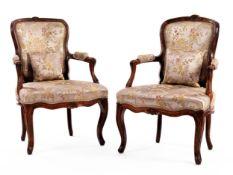 Paar zierliche Louis XV-Fauteuils