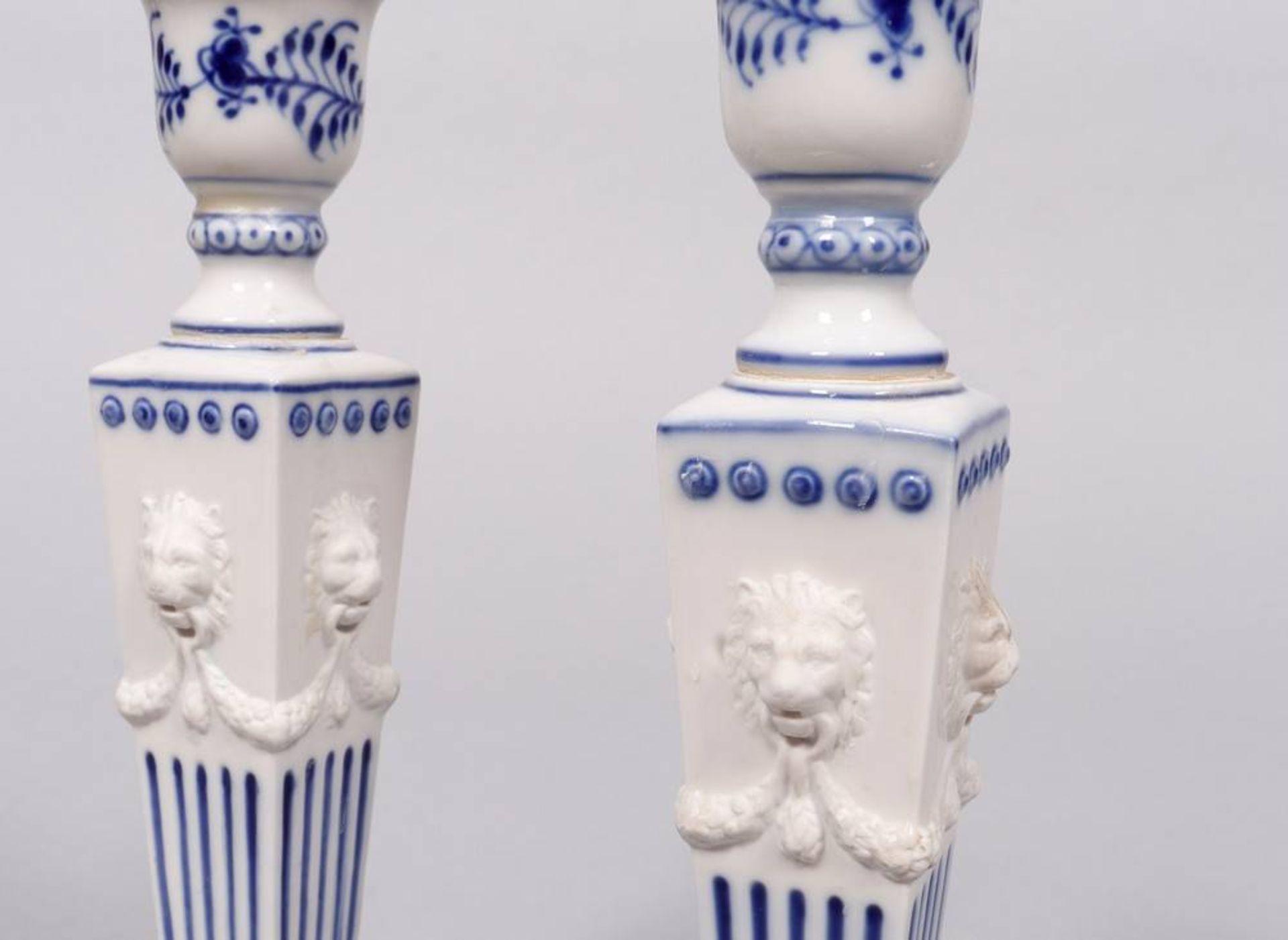 """Paar Kerzenleuchter, Royal Copenhagen, Dänemark, Dekor """"Musselmalet"""" - Bild 2 aus 3"""