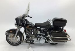 Franklin Mint: A boxed Harley Davidson Electra Glide by Franklin Mint. Boxed with papers.