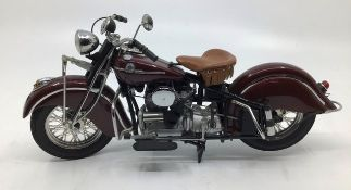 Franklin Mint: A boxed Harley Davidson Indian 422, by Franklin Mint. Boxed with papers. Excellent