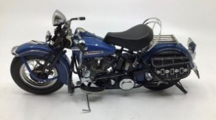 Franklin Mint: A boxed Harley Davidson Pan Head 1948, by Franklin Mint ref: B11WW88. Boxed with