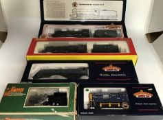 Railway: A collection of five boxed OO gauge locomotives to comprise: Bachmann 31-701A B1 61399 BR