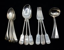 A pair of George III Old English pattern silver ladles, London, 1817, 2.86 ozt, CR: marks good,