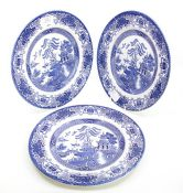 Six English Ironstone Pottery blue and white Old Willow pattern plates (6)