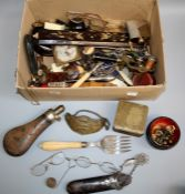 A mixed lot of collectors items including cork bottle stoppers, Victorian fish servers, horn