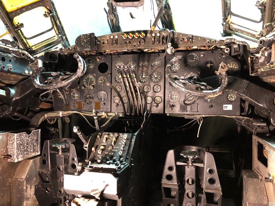 Valiant B1 XD826. Cockpit and Associated Items. This Valiant XD826 is a very rare example of the - Image 2 of 7