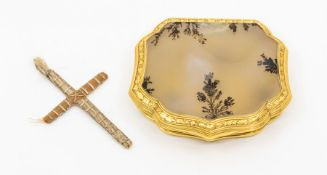 A late 18th or early 19th Century pocket snuff box, of cartouche form, polished agate hinged covers,