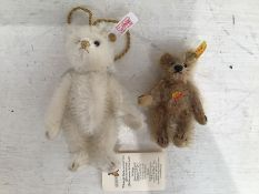 Two small steiff bears with tags.