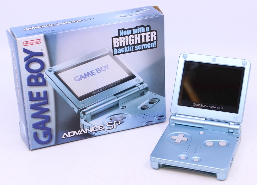 Game Boy: A boxed Nintendo Game Boy Advance SP AGS-101, Pearl Blue, US Version, unused, with - Image 2 of 3