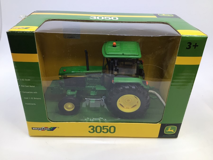 Britains: A collection of assorted Britains to include: John Deere 3050 Tractor , JCB Fastrac - Image 2 of 3
