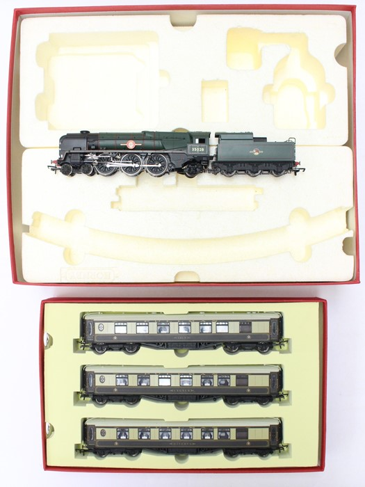 Hornby: A boxed Hornby, Digital, Venice Simplon-Orient-Express British Pullman, R1073, comprising