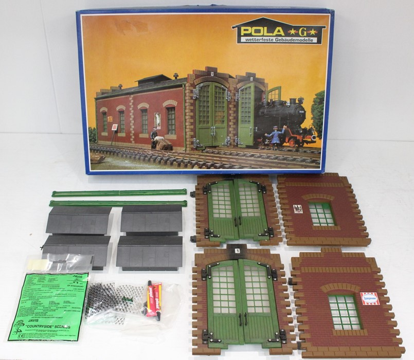 Pola: A boxed Pola, G Gauge, Double Loco Shed, No. 911, contents unchecked for completeness, but
