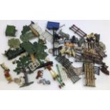 Animals: A collection of assorted lead and plastic farm and zoo animals with accessories.