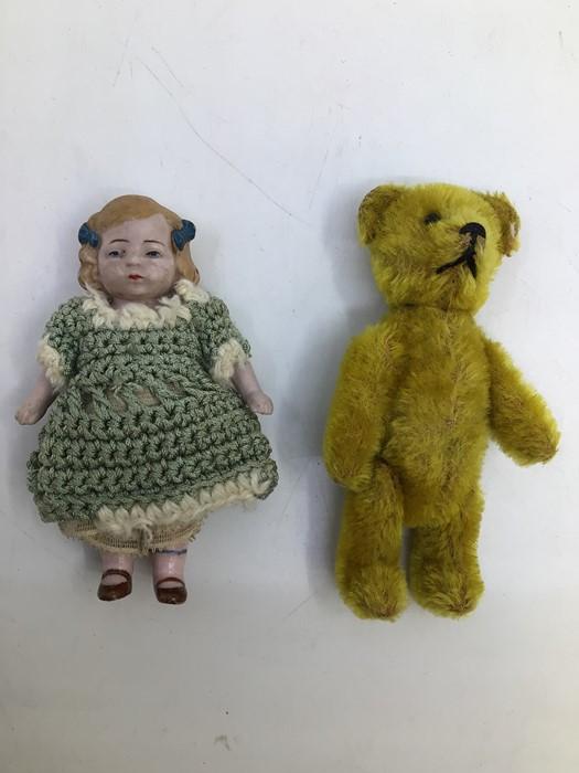 Schuco: A Schuco, teddy bear perfume bottle holder, circa mid-20th century, measuring approx.