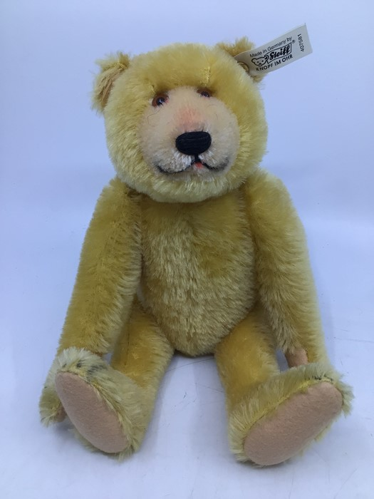 Steiff: A collection of three unboxed Steiff Limited Edition bears, all with certificates, to - Image 2 of 4