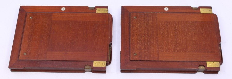 Thornton Pickard: A late 19th century W. Watson & Sons, London half plate camera, with Thornton - Image 4 of 8