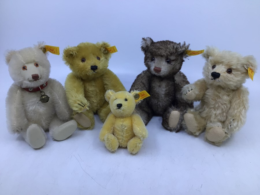 Steiff: A collection of five yellow tag Steiff bears to comprise: 029585; 029271; 029424; 030574;