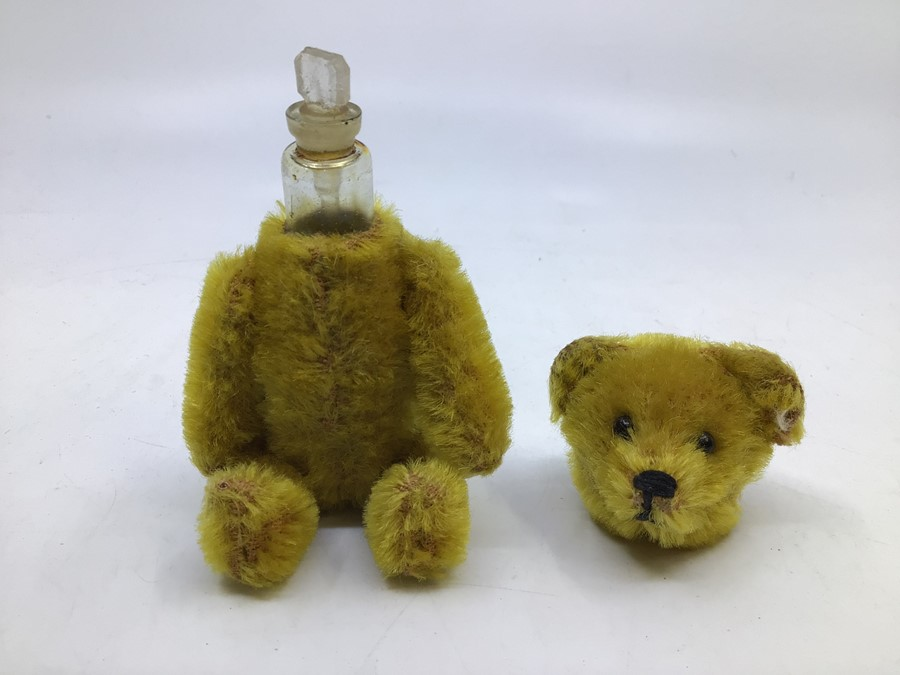 Schuco: A Schuco, teddy bear perfume bottle holder, circa mid-20th century, measuring approx. - Image 2 of 3