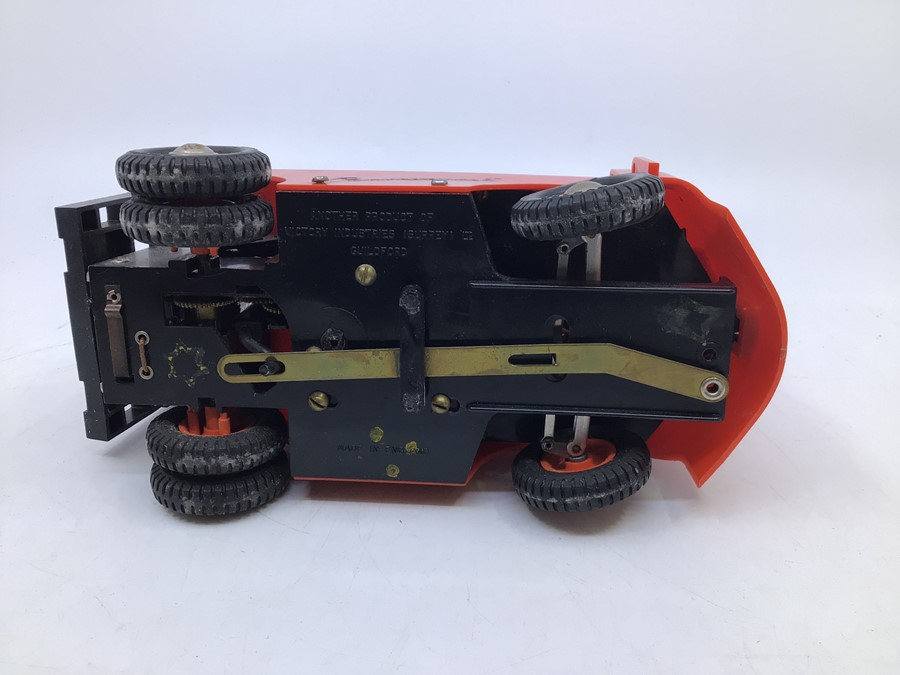 Victory: A boxed Victory Industries. Surrey, battery operated, 1:14 Scale, Conveyancer Fork Truck, - Image 3 of 4