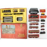 ***RE-OFFER AUGUST A&C £30-£50*** Triang: A collection of assorted Triang Railways OO Gauge to
