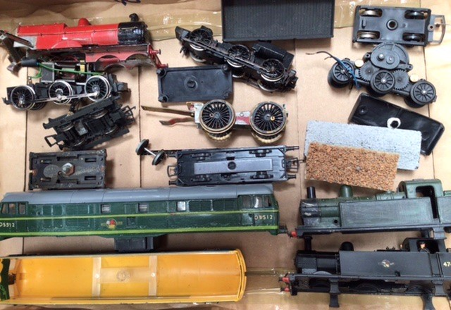 Railway: A collection of OO gauge locomotives and rolling stock, to include Hornby, Lima, - Image 3 of 5