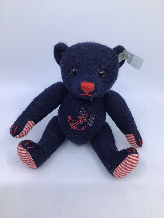 Steiff: A collection of three unboxed Steiff bears to comprise: Teddybear 1924 Replica, 651/924 - Image 3 of 4