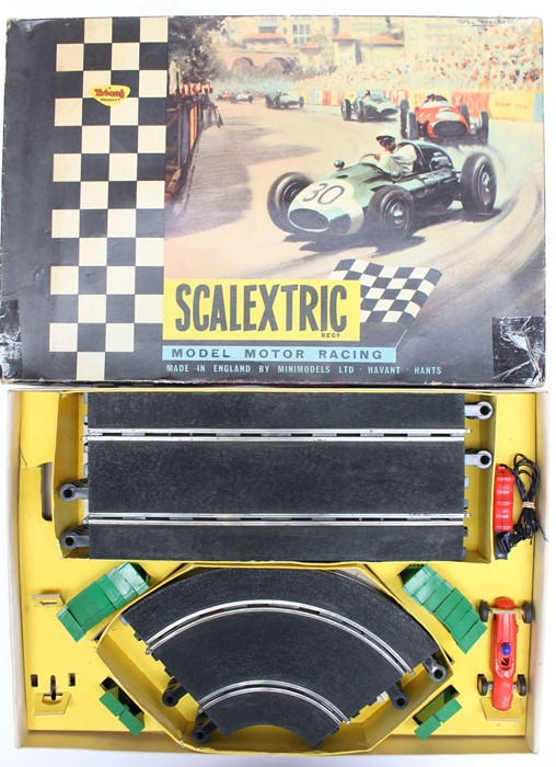 Scalextric: A collection of assorted Scalextric items to include various boxed and unboxed - Image 2 of 4