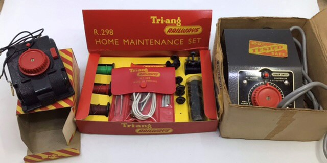Hornby: A collection of Triang Hornby railway to include: R.351 Co-Co class EN2 electric - Image 5 of 7