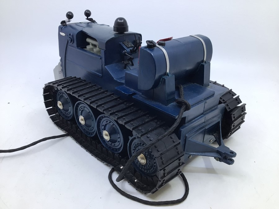 Victory: A boxed Victory Industries, Surrey, remote controlled, battery operated, 1:16 Scale, - Image 3 of 6