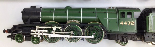 Model Railway: A collection of assorted OO gauge to include: Hornby Inter City 125 Locomotive and - Image 4 of 4