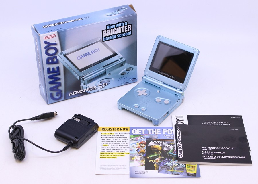 Game Boy: A boxed Nintendo Game Boy Advance SP AGS-101, Pearl Blue, US Version, unused, with