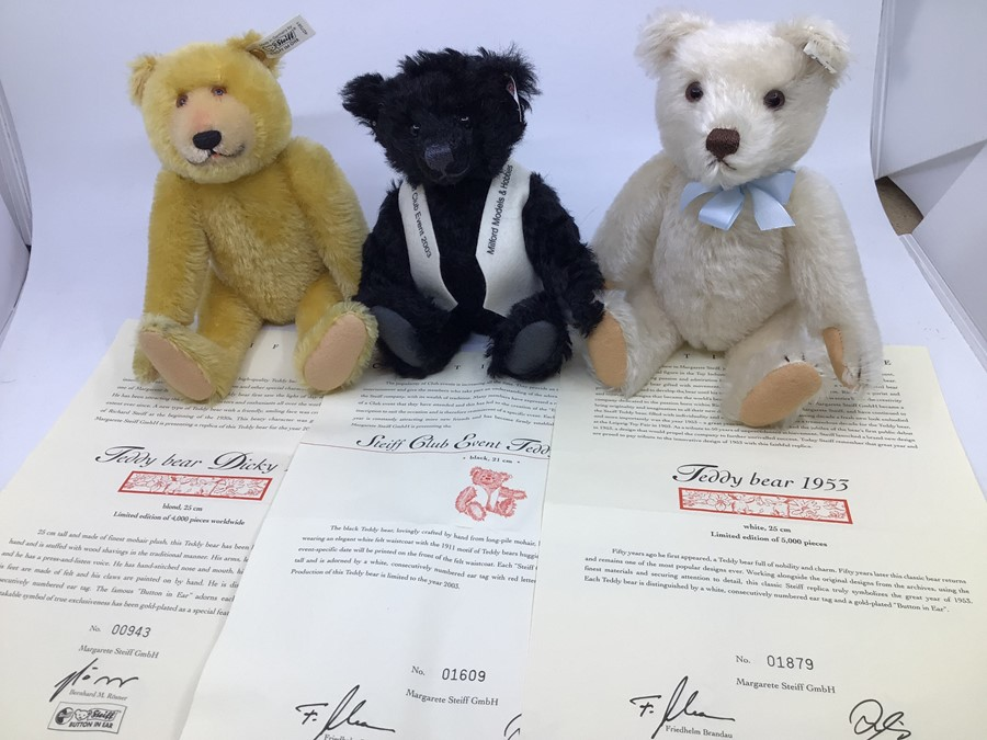 Steiff: A collection of three unboxed Steiff Limited Edition bears, all with certificates, to