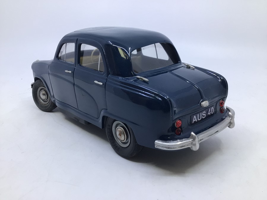 Victory: A boxed Victory Industries, Surrey, battery operated, 1:18 Scale, Austin A40/50 Cambridge - Image 4 of 5