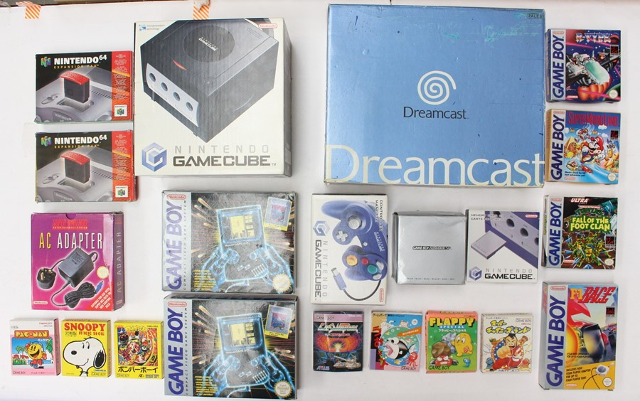 Video Games: A collection of assorted empty video games and console boxes to include: Gamecube,