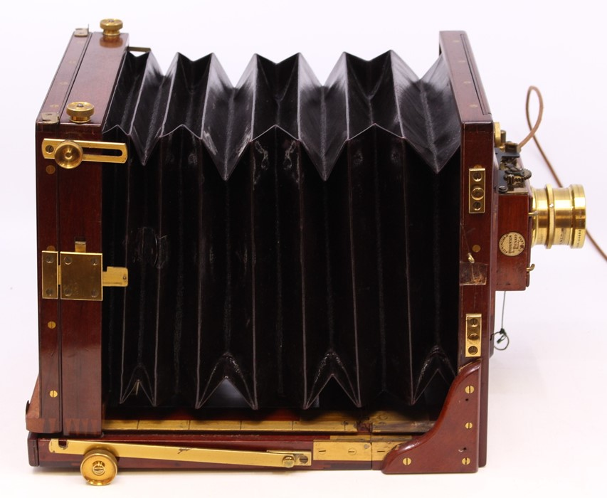 Thornton Pickard: A late 19th century W. Watson & Sons, London half plate camera, with Thornton - Image 2 of 8