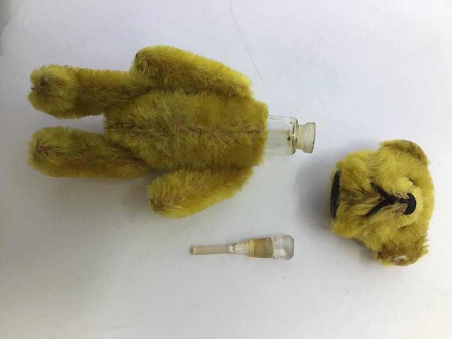 Schuco: A Schuco, teddy bear perfume bottle holder, circa mid-20th century, measuring approx. - Image 3 of 3