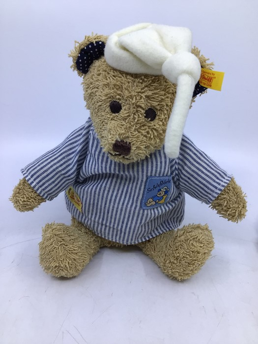 Steiff: A collection of four assorted yellow tag Steiff bears to comprise: 028595; 039775; 012884; - Image 3 of 5