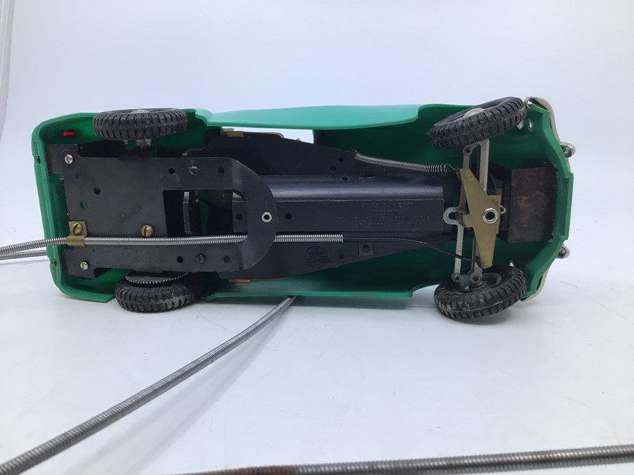 Victory: A boxed Victory Industries, Surrey, remote control, battery operated, MGA, green with tan - Image 4 of 5