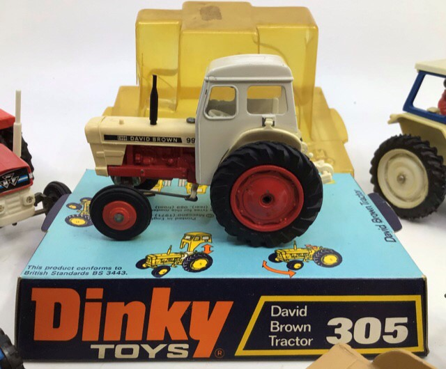 Diecast Tractors: A collection of assorted diecast tractors to include: Dinky David Brown 990, - Image 3 of 3