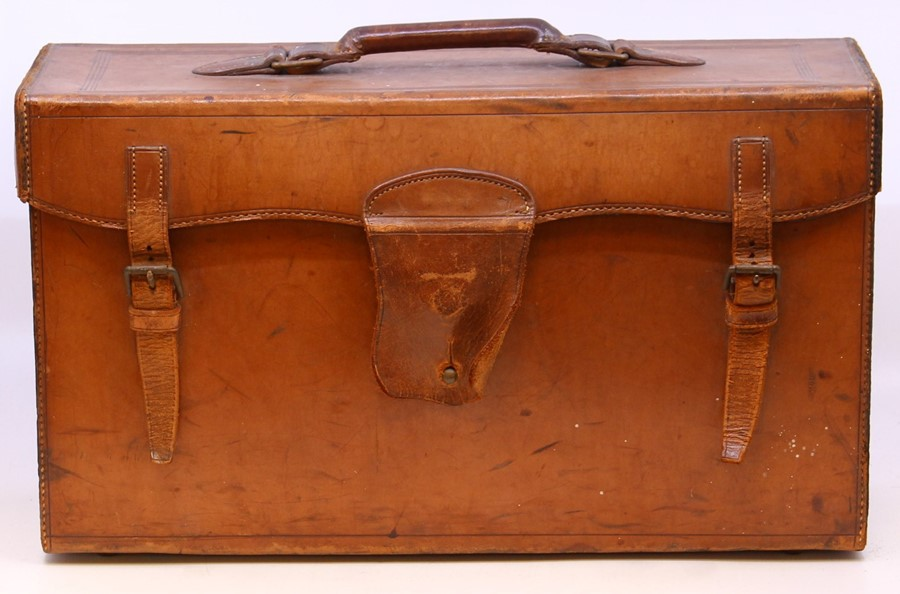 Thornton Pickard: A late 19th century W. Watson & Sons, London half plate camera, with Thornton - Image 5 of 8