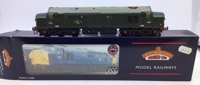 Bachmann: A collection of three OO gauge Bachmann locomotives: 32-778 class 37/0 Green Centre - Image 2 of 5