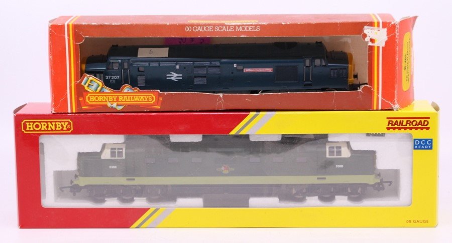 Model Railway: A collection of assorted unboxed OO gauge to include: two Lima diesel locomotives, - Image 2 of 2