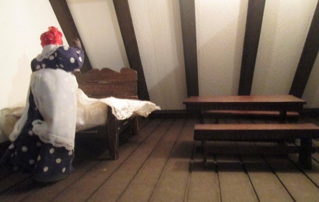 Dolls House: A quality Dolls House built by the renowned Robert Stubbs. This model is the three - Image 3 of 7