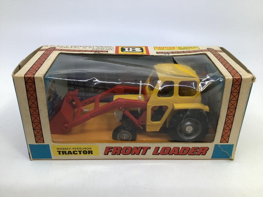 Britains: A collection of assorted Britains to include: Massey Ferguson Combine Harvester 9570, - Image 4 of 4